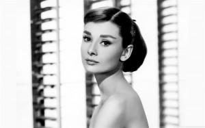 Audrey_Hepburn-LOMO_style_photography_Desktop_Wallpaper_medium